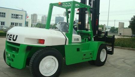 Xe nâng dầu TEU tải trọng lớn