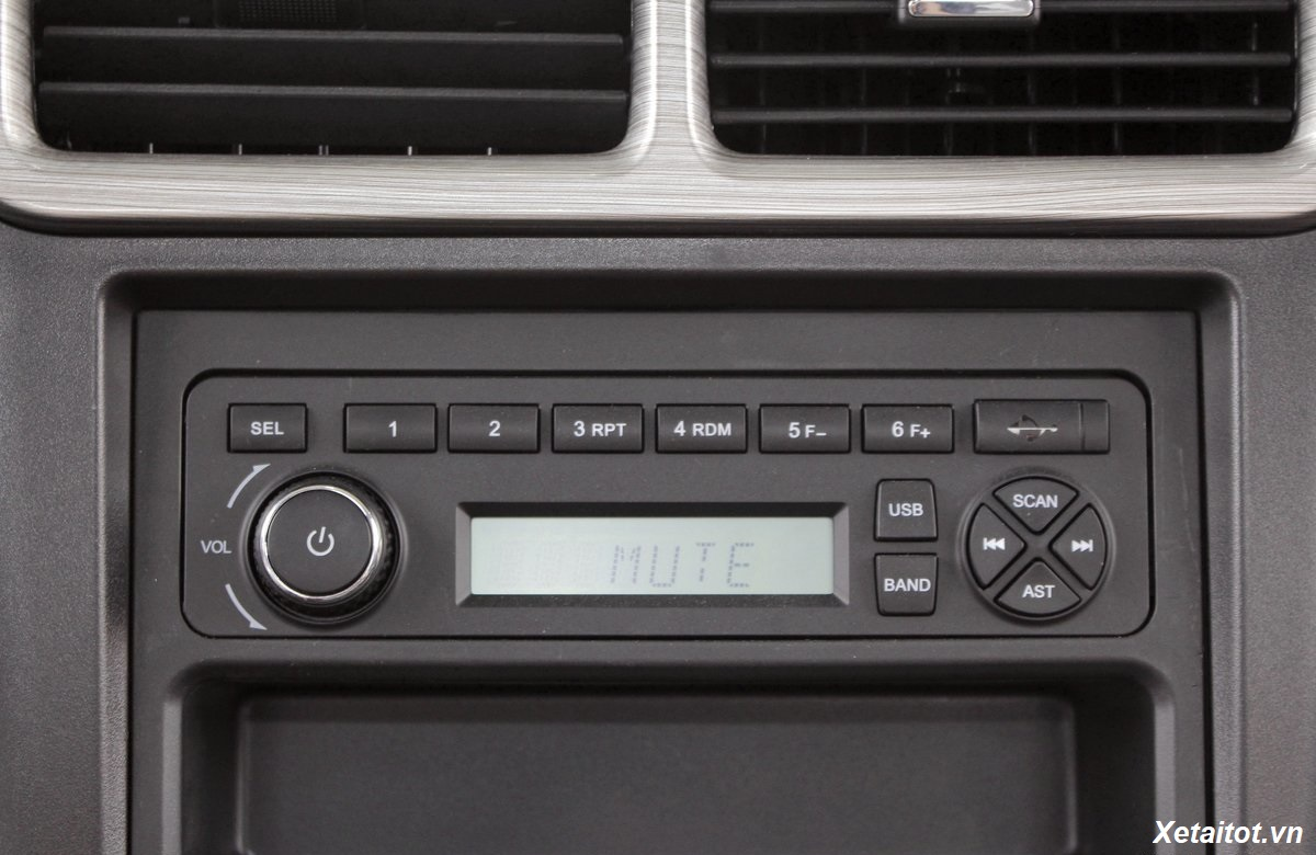 radio-tren-xe-tai-9-tan-chenglong-m3