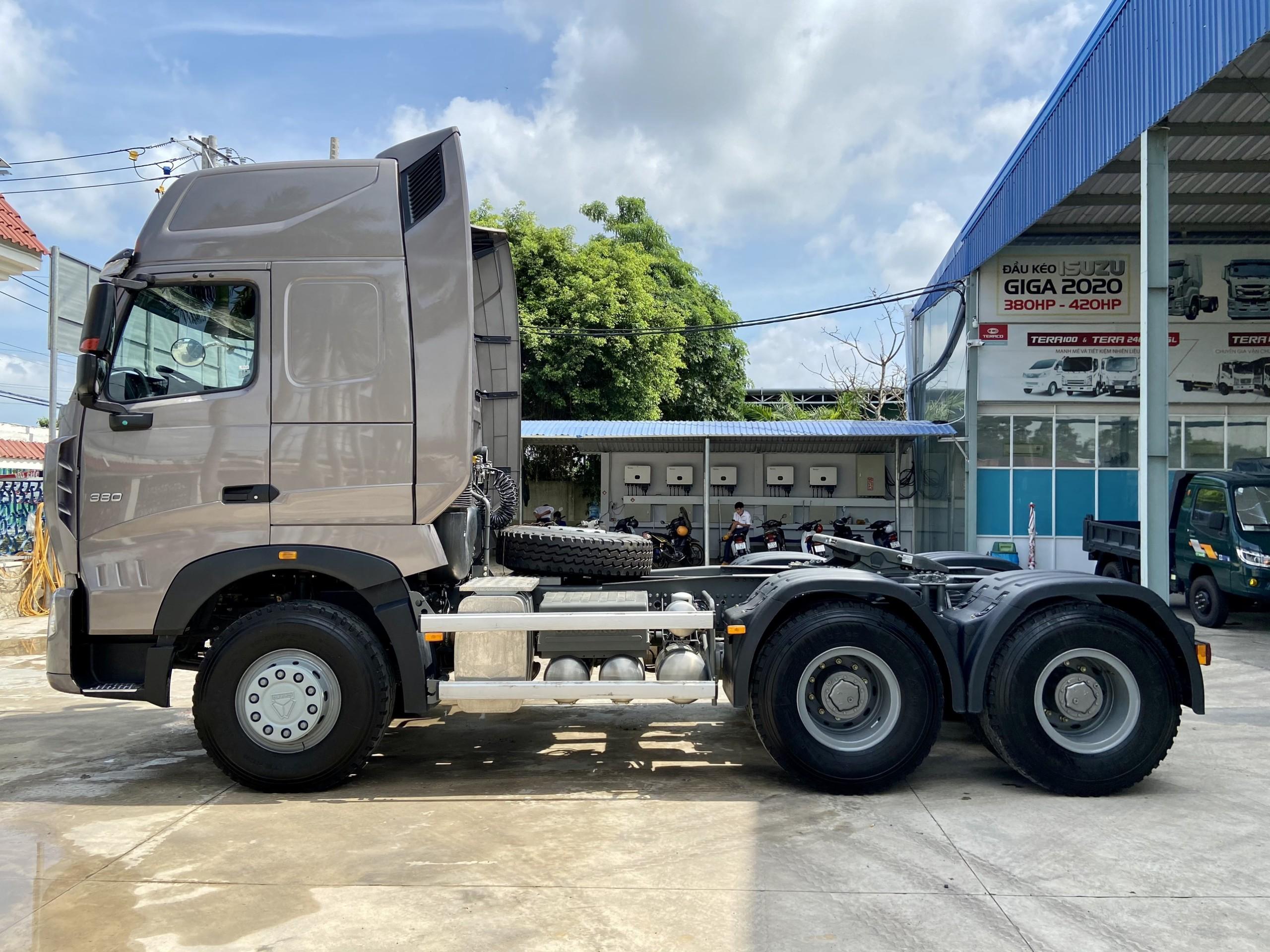 dau-keo-420-380-hp-cua-howo