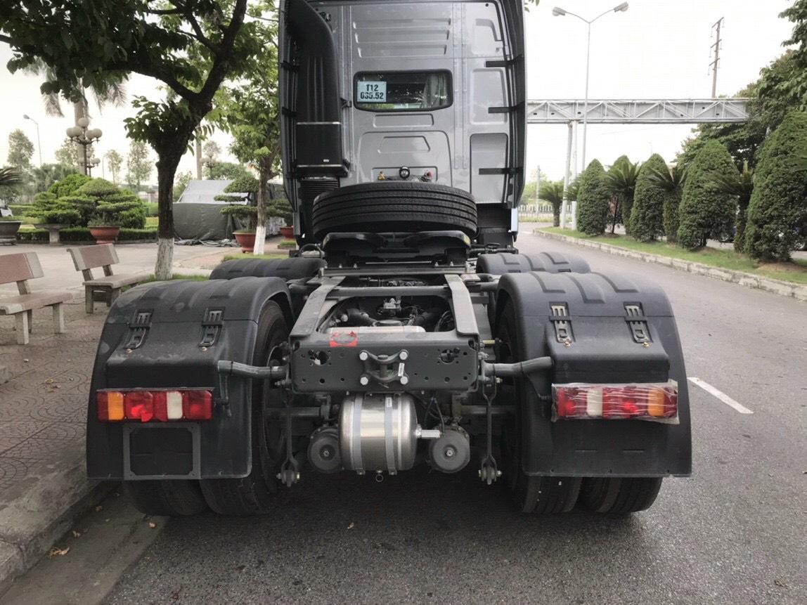 phia-sau-dau-keo-howo-420-380-hp-cau-dau-cau-lap